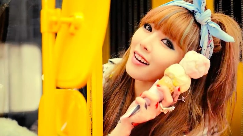 "HyunA's ""Ice Cream"" Becomes Her 2nd MV To Hit 100 Million Views"