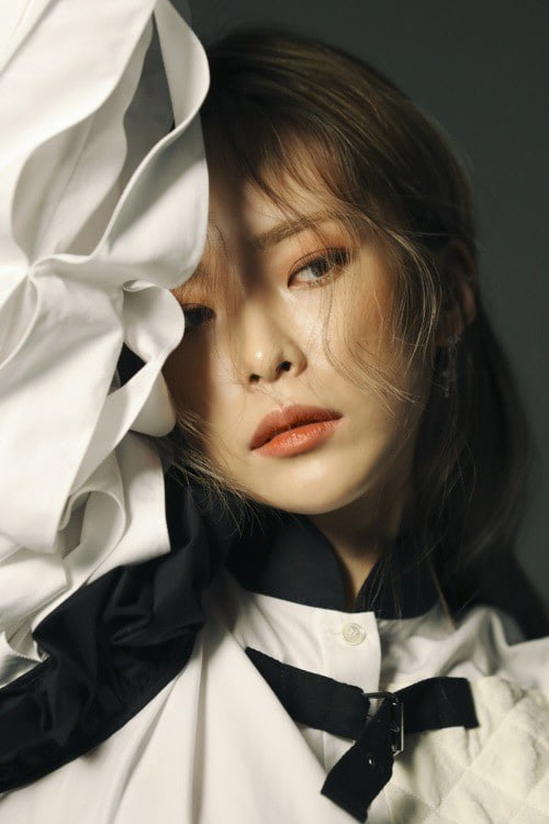 Heize Talks About Her New Album's Outstanding Music Chart Performance