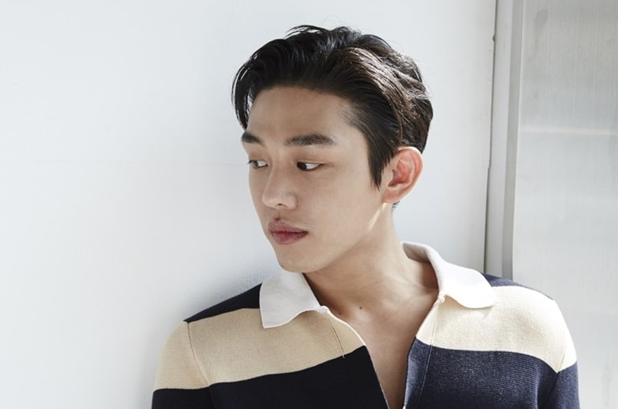 Yoo Ah In's Agency To Take Legal Action Against Malicious Rumors About His Military Exemption