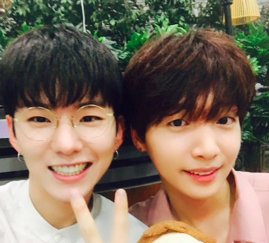 """MONSTA X's Kihyun And """"Produce 101 Season 2"""" Contestant Jeong Sewoon  Show Off Their Bromance"""
