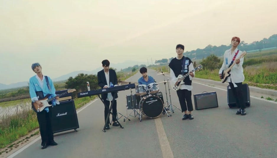 "Watch: DAY6 Is Sweet And Mellow In ""Hi Hello"" MV"