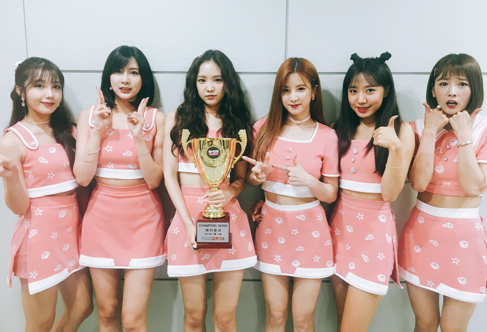 """Watch: Apink Grabs 5th Win For """"Five"""" On """"Show Champion,"""" Performances By Red Velvet, MAMAMOO, And More"""