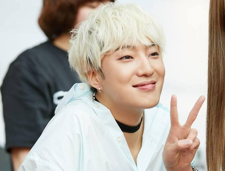 WINNERs Kang Seung Yoon In Talks To Star In Next Drama From Reply Series PD