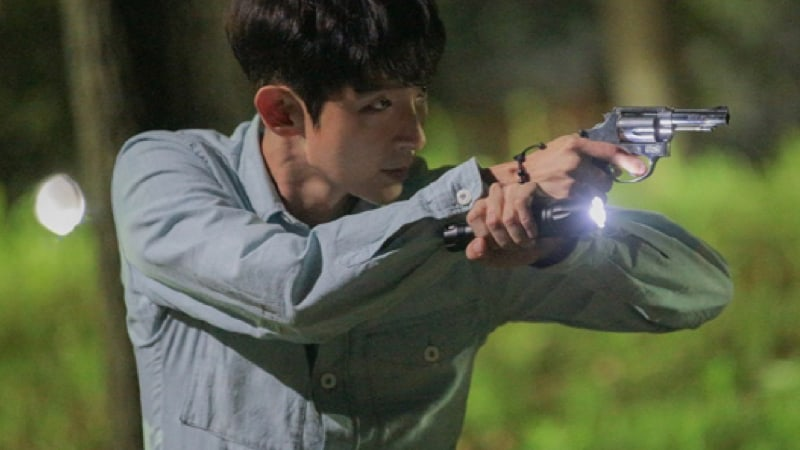 "Anticipation Builds Over Lee Joon Gi's Upcoming Role In ""Criminal Minds"""