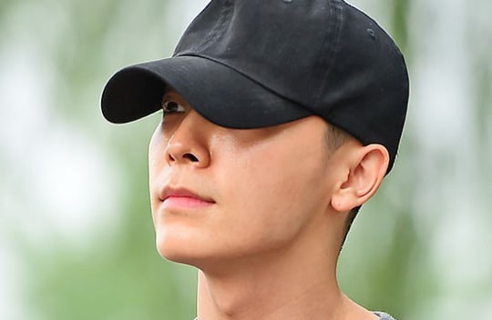 Super Junior's Donghae Expresses His Love For Fans As He Is Discharged From Military