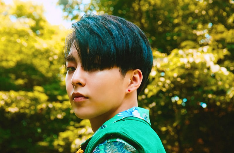 """Update: EXO's Xiumin Looks Like An Ethereal Summertime Fairy In Teasers For """"The War"""""""