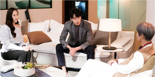 """Nam Joo Hyuk, Krystal, And Gong Myung's Characters Have A Serious Talk In New """"Bride Of The Water God"""" Stills"""