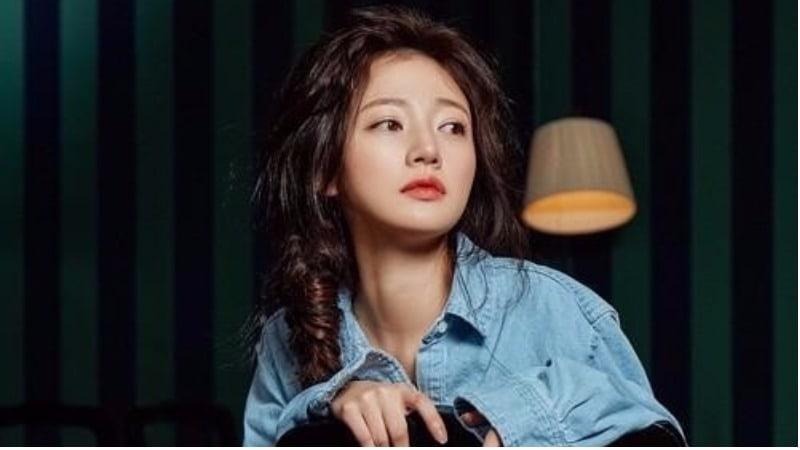 """Song Ha Yoon Reflects On Emotional Scenes As Baek Seol Hee In """"Fight My Way"""""""