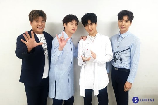 Super Junior To Continue As Blood Donation Ambassadors For 10 Years