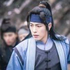 "Hong Jong Hyun Shares Secret To Maintaining His ""The King Loves"" Hair Between Takes"