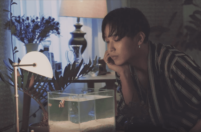 "Watch: BTOB's Hyunsik Remembers A Past Love In New ""SWIMMING"" MV"