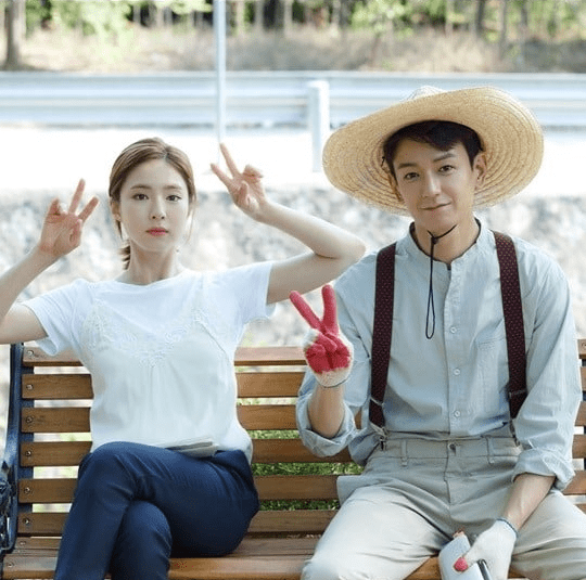 """Bride Of The Water God"" And Shin Se Kyung Share More Behind-The-Scenes Stills"