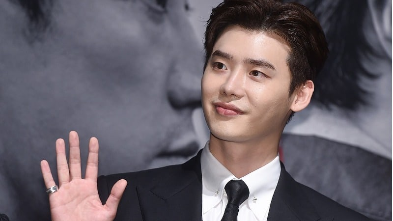 Lee Jong Suk Reveals Why He Expressed Interest First In Latest Movie