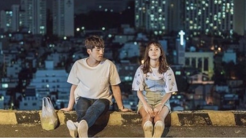 """Kim Sejeong And Kim Jung Hyun's Cute Love Story Unfolds On """"School 2017"""""""
