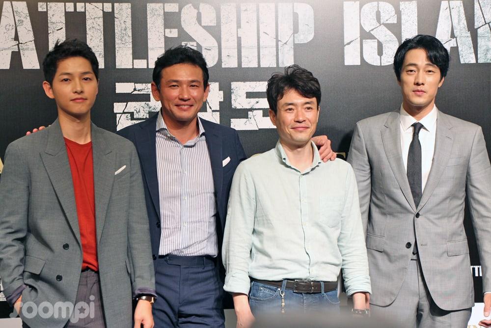 """Hwang Jung Min, So Ji Sub, Song Joong Ki Talk """"The Battleship Island"""" With Fans And Press At Singapore Stop"""
