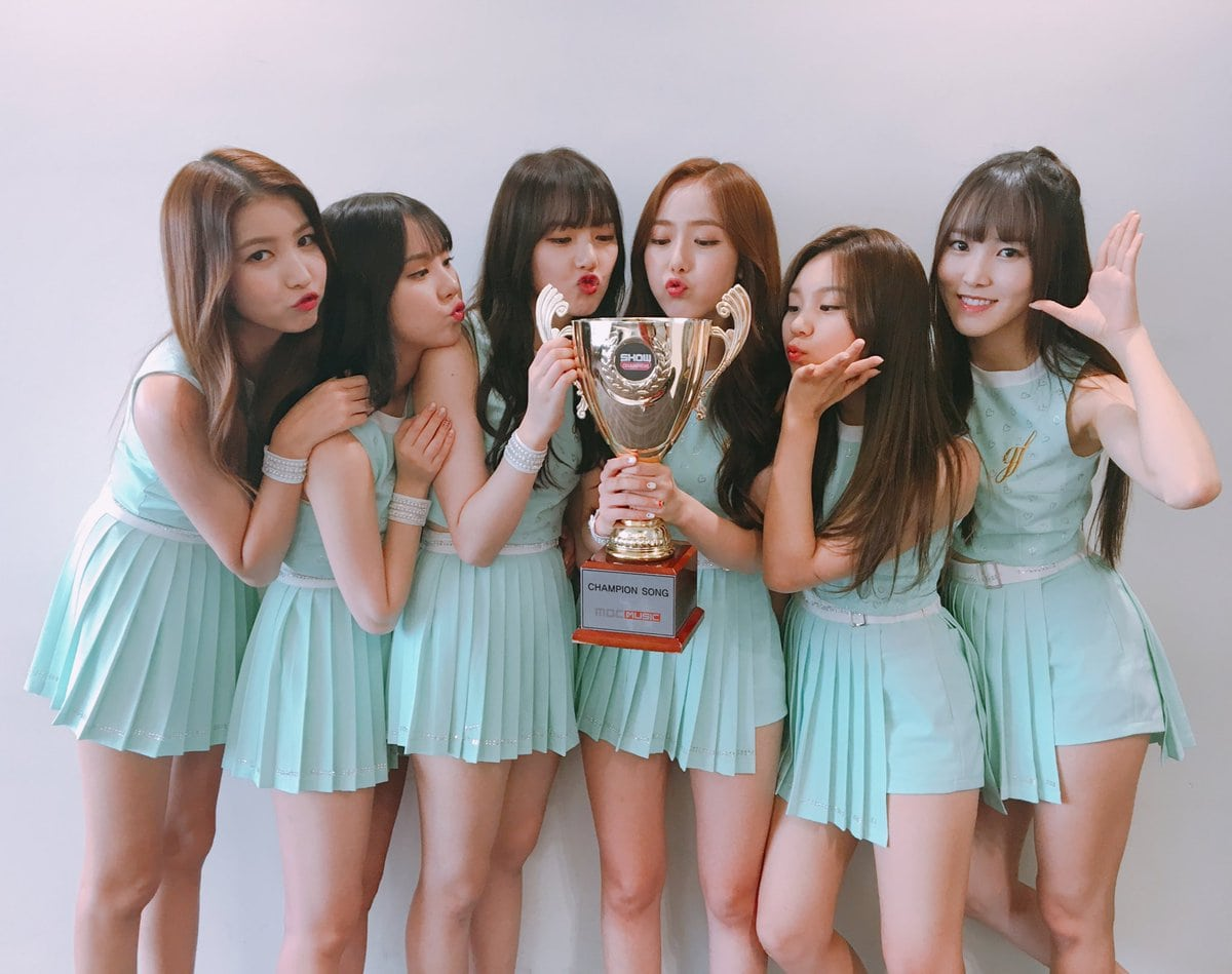 """GFRIEND Takes 2nd Win For """"Love Whisper"""" On """"Show Champion"""""""