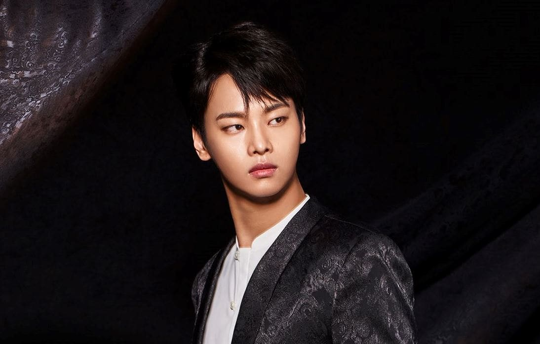 VIXX's N Apologizes For Worrying Fans After Fainting During A Performance