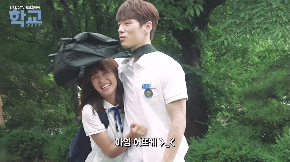 Watch: Kim Sejeong And Kim Jung Hyuns Show Off Their Real Life Chemistry In School 2017