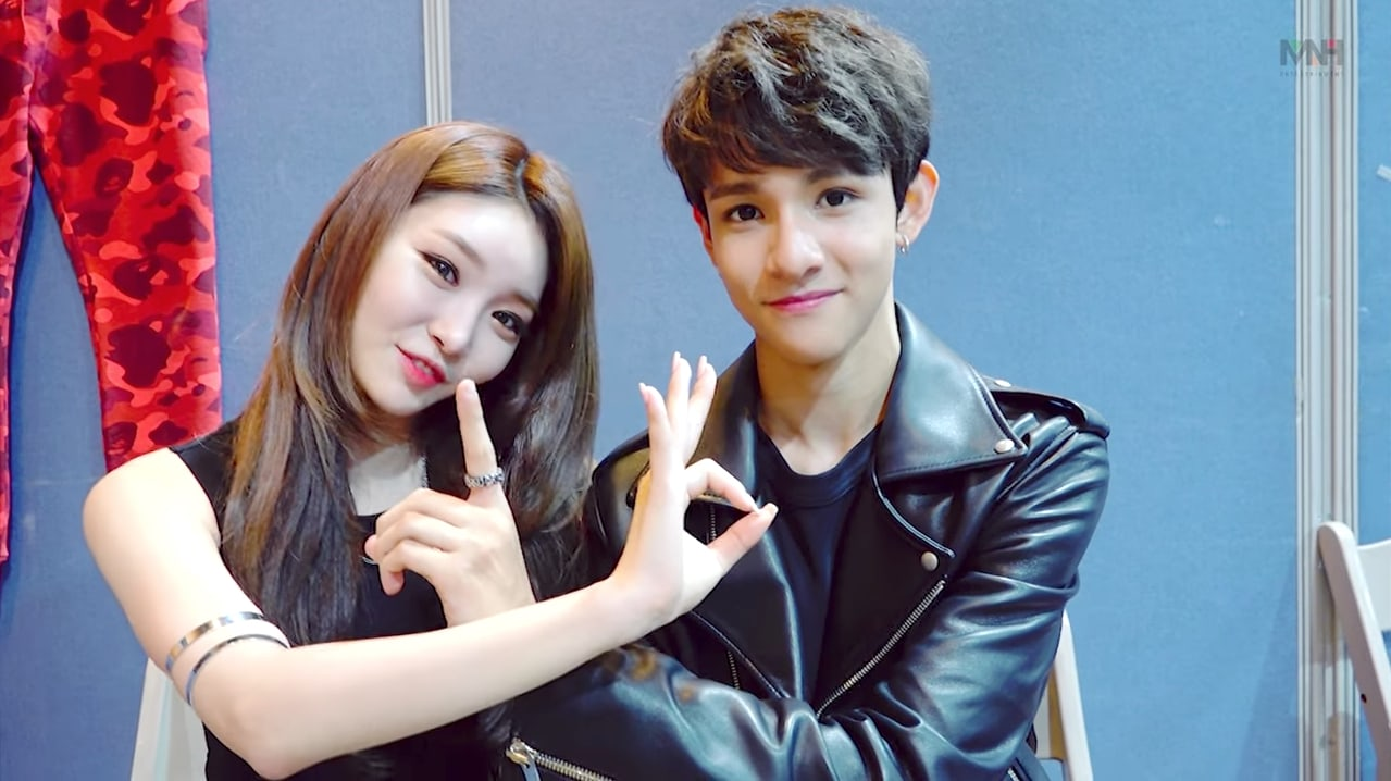 Kim Chungha And Samuel Show Off Their Teamwork In Dressing Room Interview