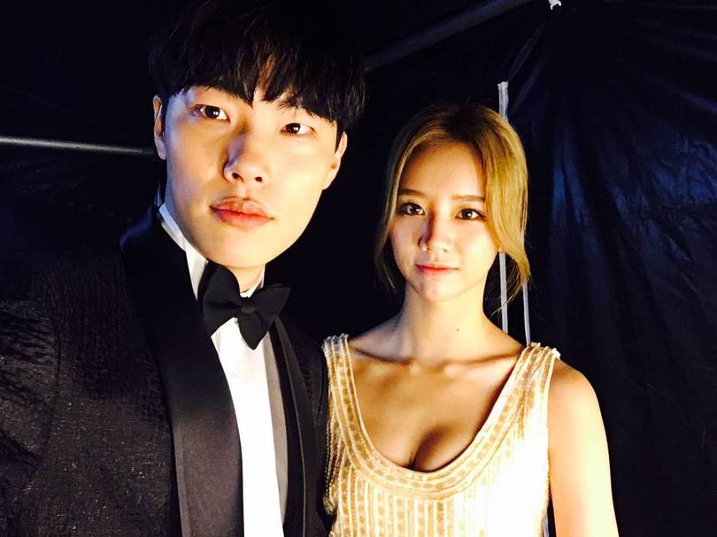 Breaking: Girl's Day Hyeri Reportedly Dating Actor Ryu Jun Yeol