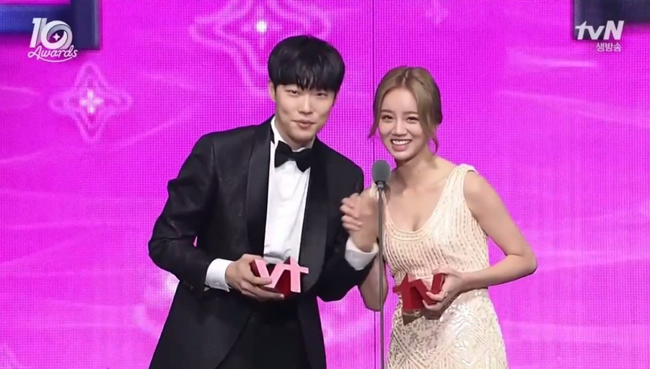 Fans Look Back On Girl's Day's Hyeri And Ryu Jun Yeol's Past Cute Moments After Dating News