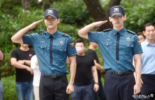 Super Juniors Siwon And TVXQs Changmin Complete Their Military Service