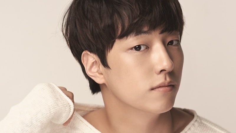 "Lee Yoo Jin From ""Produce 101 Season 2"" Confirmed To Fill In For SHINee's Onew On ""Age Of Youth 2"""