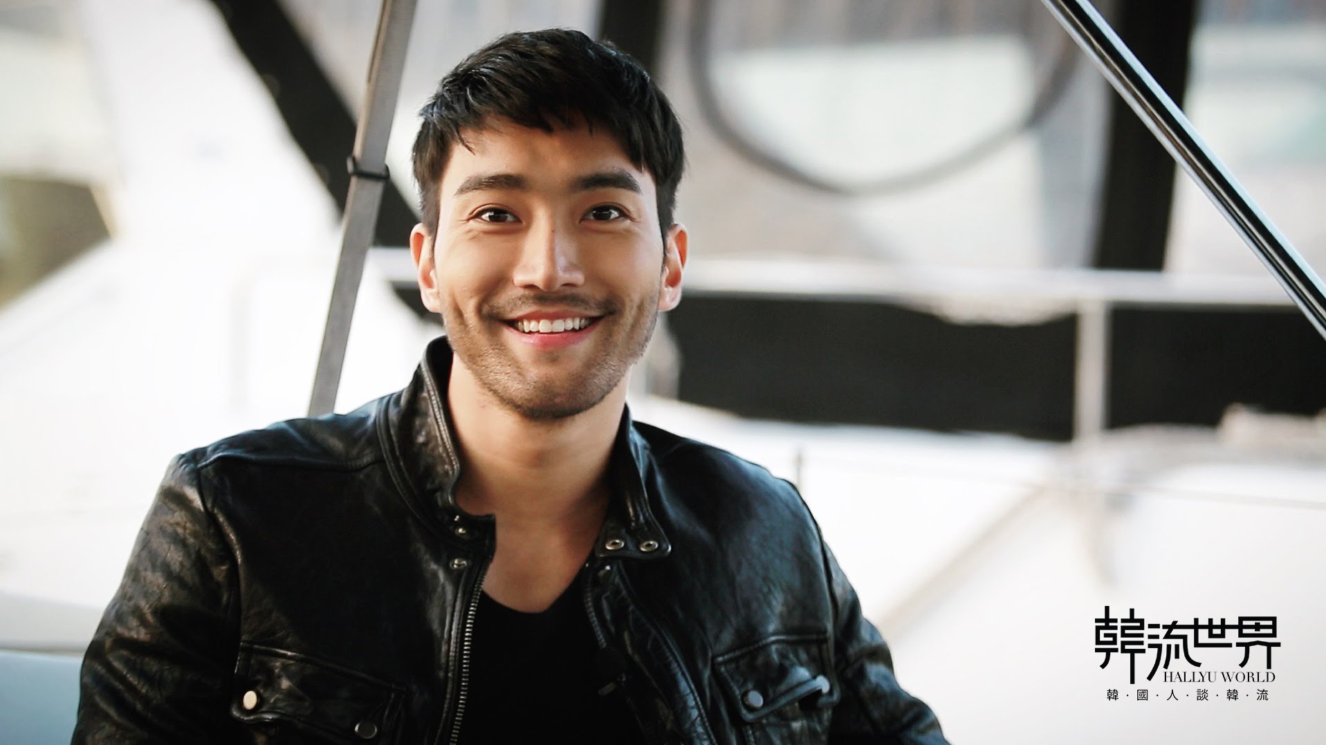 Super Junior's Choi Siwon Returns To Social Media And Shows Gratitude For The Support He's Received