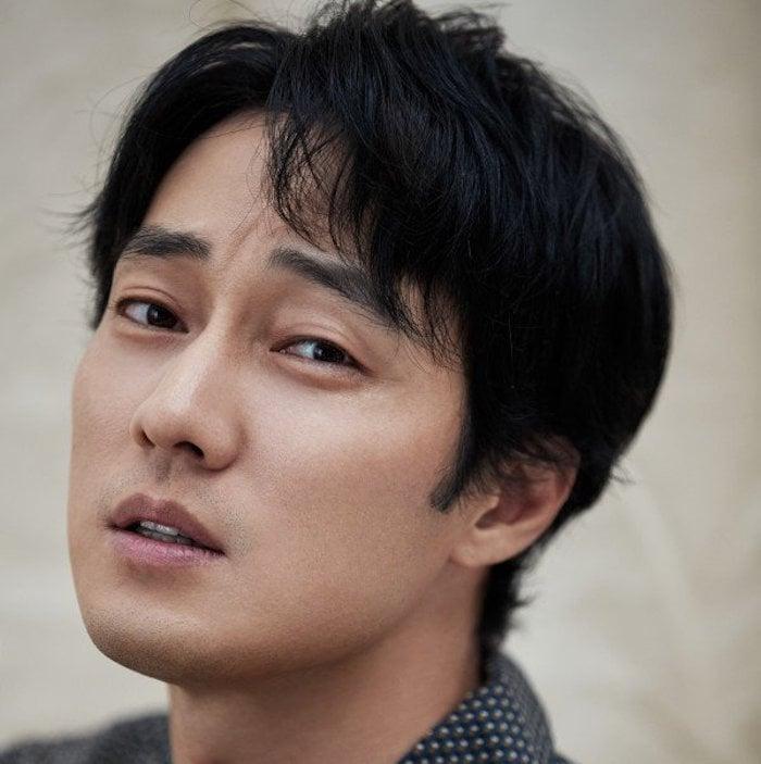 So Ji Sub Describes Song Joong Ki As Manly Man, Talks About Future Plans