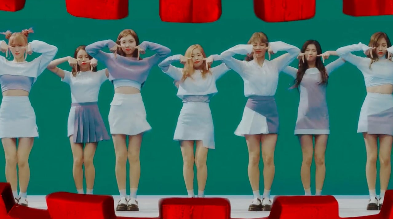 TWICEs TT Becomes Fastest K-Pop Group MV To Reach 250 Million Views
