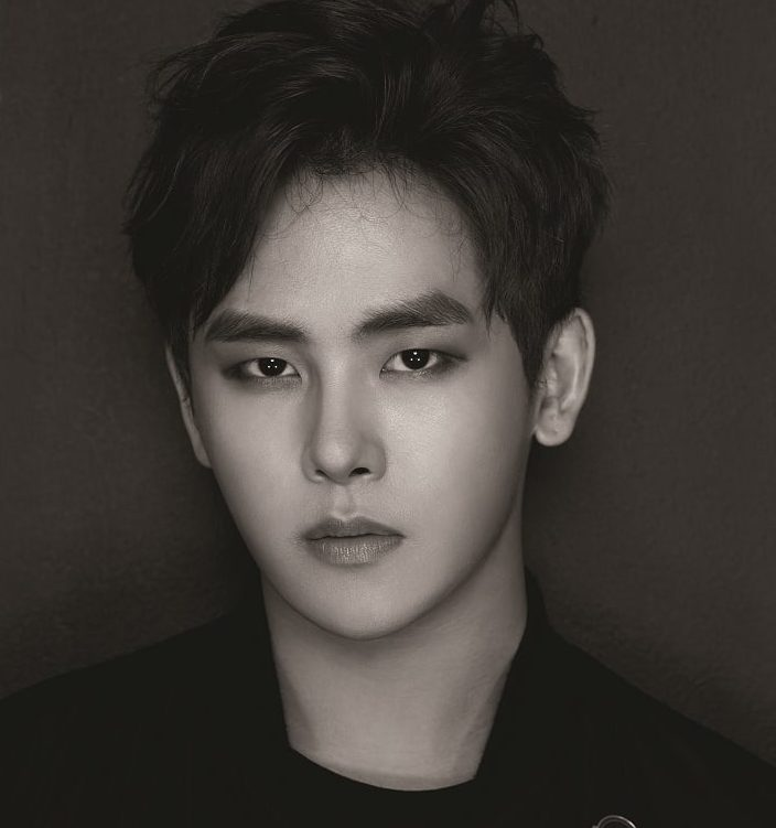 "Listen: INFINITE's Hoya Gifts Fans With Beautiful ""Thinking Out Loud"" Cover"