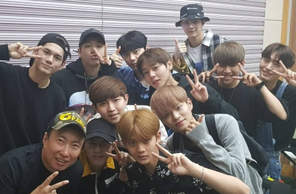 Wanna One Successfully Completes Radio Debut
