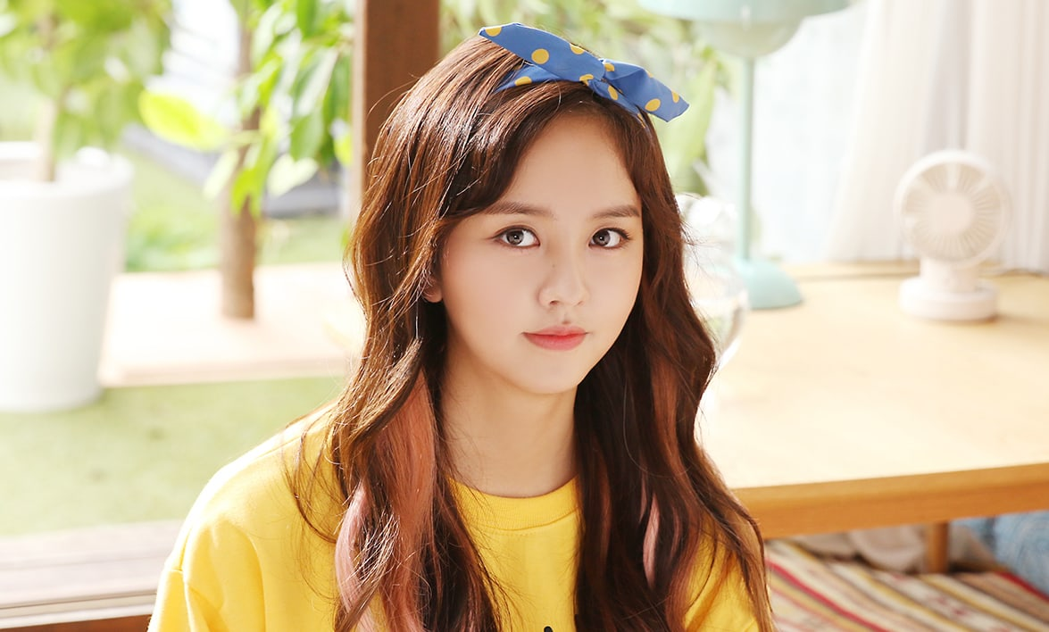 kim so hyun successfully receives high school diploma through