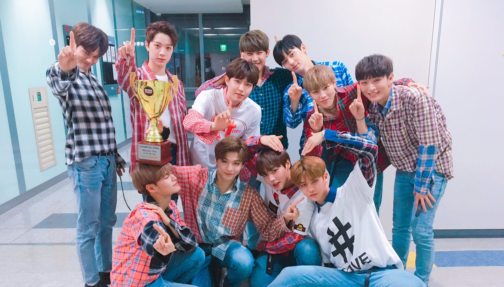 "Watch: Wanna One Takes 13th Win And Triple Crown For ""Energetic"" On ""Show Champion,"" Performances By HyunA, Sunmi, And More"