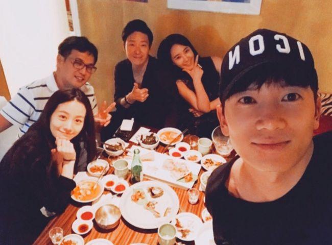 Girls Generations Yuri Shows Off Lasting Friendship Between Cast Of Defendant