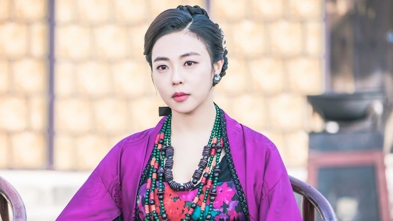 "3 Characters In ""The King Loves"" Who Raise Viewers' Blood Pressure"