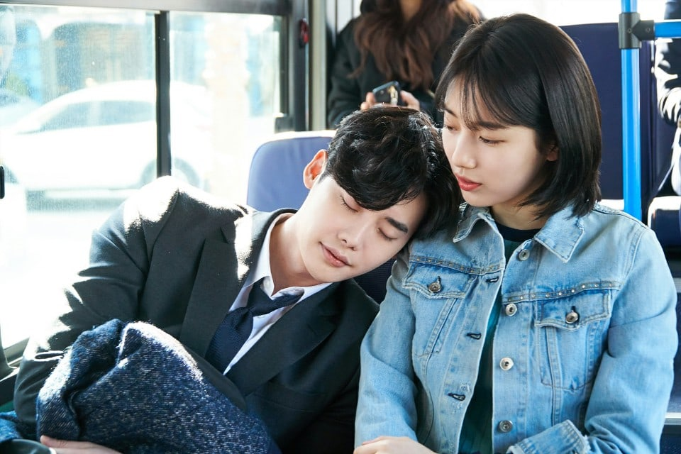 """While You Were Sleeping"" Reveals Heart Fluttering First Stills Of Lee Jong Suk And Suzy"