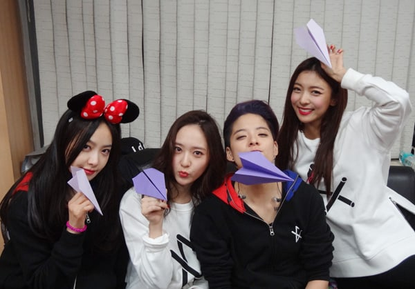 f(x) Fans Show Their Love On 8th Anniversary