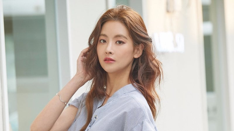 Oh Yeon Seo Considering Offer To Star In Hong Sisters' New Fantasy Drama