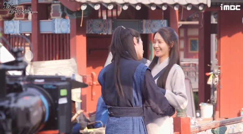"Watch: Girls' Generation's YoonA And Hong Jong Hyun Are All Giggles While Filming Kiss Scene For ""The King Loves"""