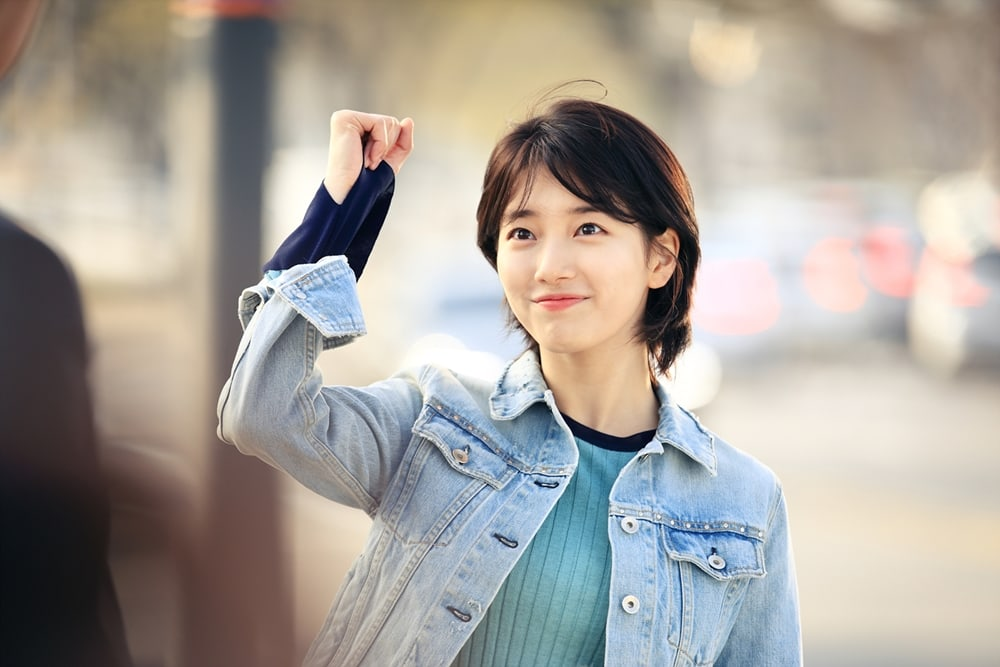 suzy shows off her short hair in while you were sleeping stills