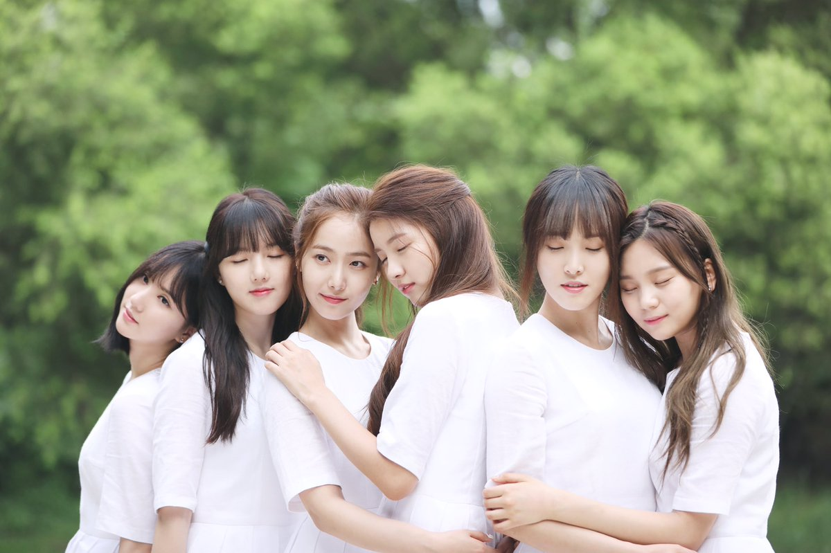 """Update: GFRIEND Shares New Teaser Images For """"Rainbow"""" On Comeback Day"""
