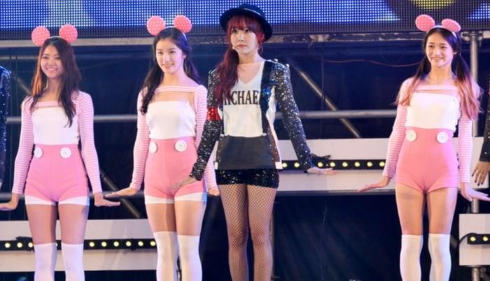 Image result for Nayoung, Kyulkyung, Xiyeon backup dancer