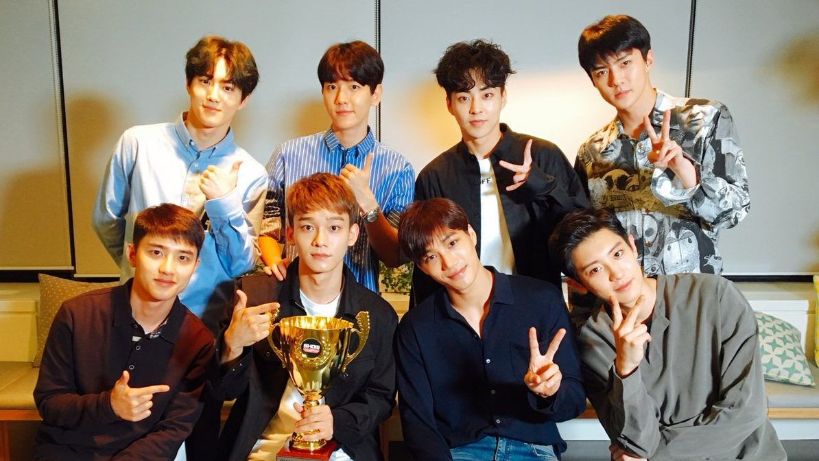 Watch exo grabs 1st win for power on show champion soompi watch exo grabs 1st win for power on show champion stopboris Images