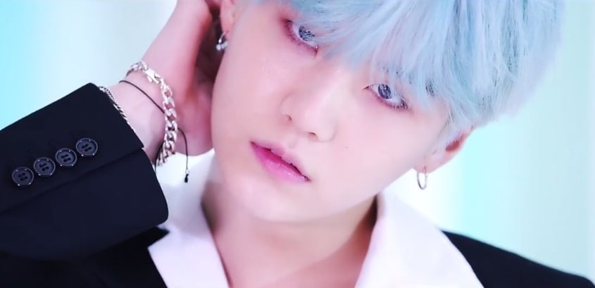 https://0.soompi.io/wp-content/uploads/2017/09/15080402/bts-dna-mv-21.jpg