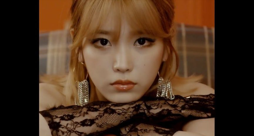 """Watch: IU Parties It Up In """"Last Night Story"""" MV And Gives Live Performance Of """"Sleepless Rainy Night"""""""