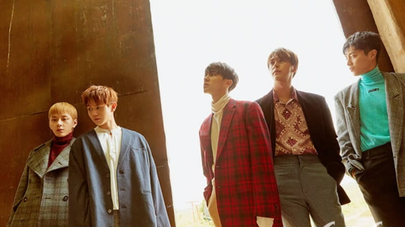 Highlight Says Fans' Event Performances Are Big Encouragement In A Pictorial