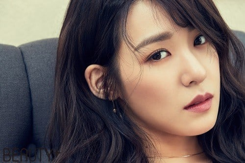 Girls Generations Tiffany Shows Off Her Signature Smile And Style In Pictorial