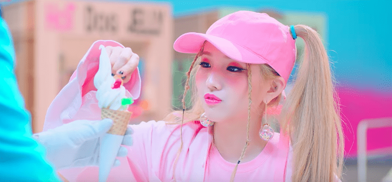 "Update: Jeon Soyeon Drops MV Teaser Featuring Lai Guan Lin And E'Dawn For ""Jelly"""