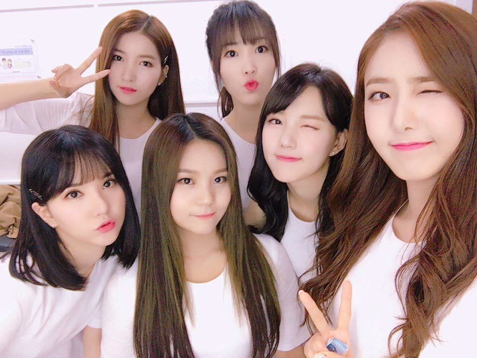 GFRIEND Says Their Next Big Goal Is To Hold Their First Korean Solo Concert